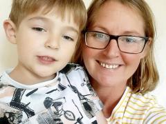 Bé 5 tuổi gọi 112 cứu mẹ, người mẹ kinh ngạc: 'Thằng bé chưa dùng điện thoại bao giờ'