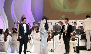 Phạm Thùy Dung khiến khán giả ngỡ ngàng trong đêm Trăng hát