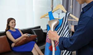 Nhà thiết kế Li Lam chia sẻ cách chăm sóc vải lụa