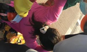 TP.HCM: Con gái bật khóc ôm thi thể cha tại hiện trường tai nạn giao thông