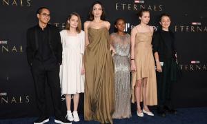 Angelina Jolie đưa con dự công chiếu 'Eternals'