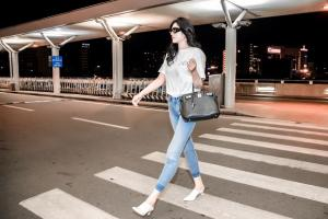 Huỳnh Tiên nhận lời mời từ NTK của Iu tham dự Seoul Fashion Week