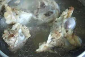 Cuối tuần, học làm món lẩu ếch đãi cả nhà