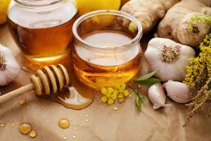 """Uống mật ong theo cách này từ """"thuốc bổ"""" chuyển thành """"độc dược"""""""